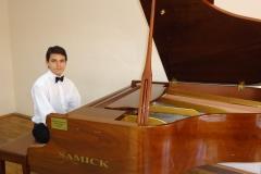 Ezgi Slow Sözsüz Melodik Melodisel Ezgisel Yemek Fon Müziği MELODİK KARAOKE KAROKE FON MÜZİK ENSTRUMANTAL SLOW HAFİF Piyano Eser