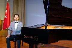 Güneş Yakartepe Piyano Nedir Kimdir Sözlük Ne Demek Genç Piyanist Musikisi Müzik OKUL Piano Büyük piyanoları (2)