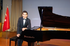 Güneş Yakartepe Piyano Nedir Kimdir Sözlük Ne Demek Genç Piyanist Musikisi Müzik OKUL Piano Büyük piyanoları (3)
