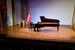 Güneş Yakartepe Piyano Nedir Kimdir Sözlük Ne Demek Genç Piyanist Musikisi Müzik OKUL Piano Büyük piyanoları (8)