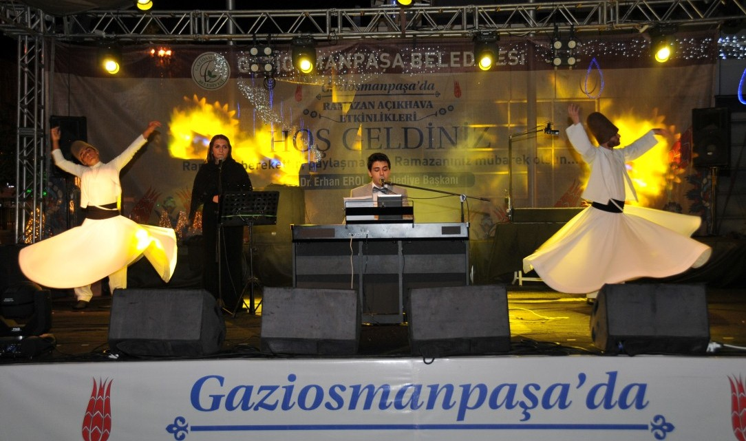 Piyano Konseri ve Semazen Gösterisi