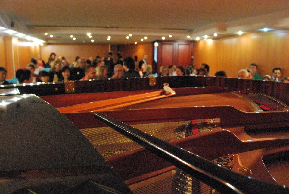 9.Pera Piyano Festivali katılımcı dinletileri Konserler Ustalık sınıfları Masterclass Yarışmalar Seminer Sempozyum oluşan programı