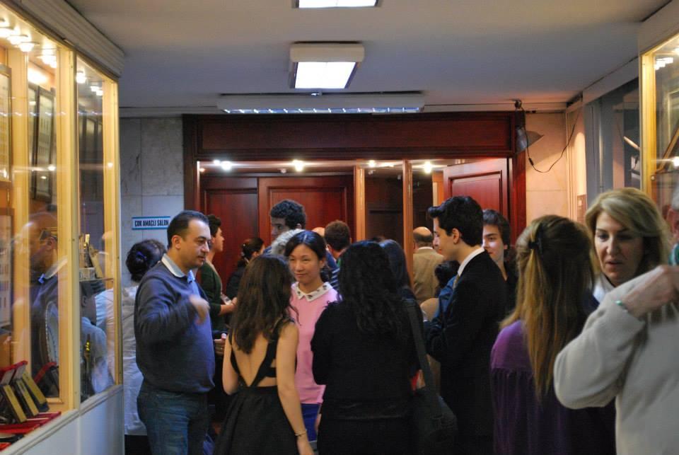 9.Pera Piyano Festivali katılımcı dinletileri Konserler Ustalık sınıfları Masterclass Yarışmalar Seminer Sempozyum programı