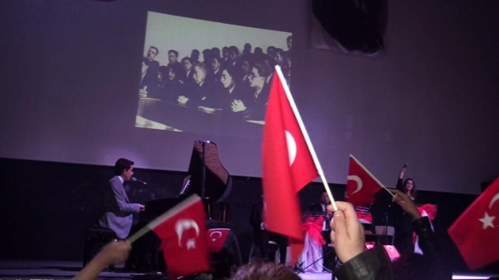 Isparta Belediyesi Piyano Konseri Türküleri Atatürk (25) (Custom)