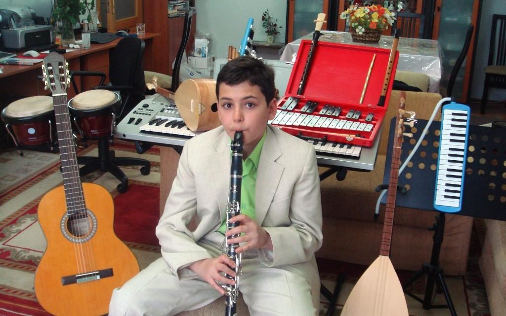 Klarnet Nefesli Müzik Enstrumanları – Güneş 11 Yaşında