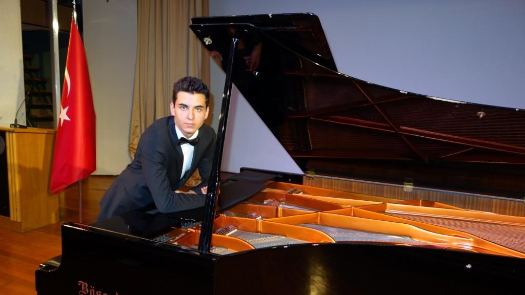 güneş yakartepe piyano msgsü Mimar sinan Üniversitesi Devlet Konser Konsertuarı kuyruklu büyük pianos