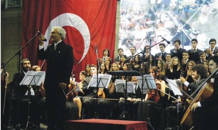 lüleburgaz foto Cumhuriyet  Bayram Töreni Konseri Yakartepe Müzikleri
