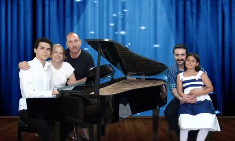 Kış Masalı En Damar Şarkılar Piyano Genç Piyanist Sibel Can