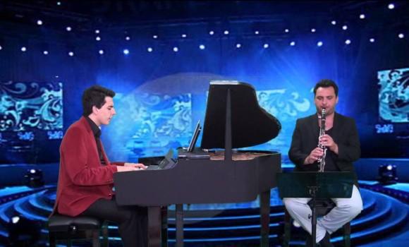 Kerimoğlu Zeybeği Klarnet Piyano Bodrum Yöresi Türküsü türk halk müzikleri türkü yöre türküleri piyano genç solist piyanist Müziği Yöresi