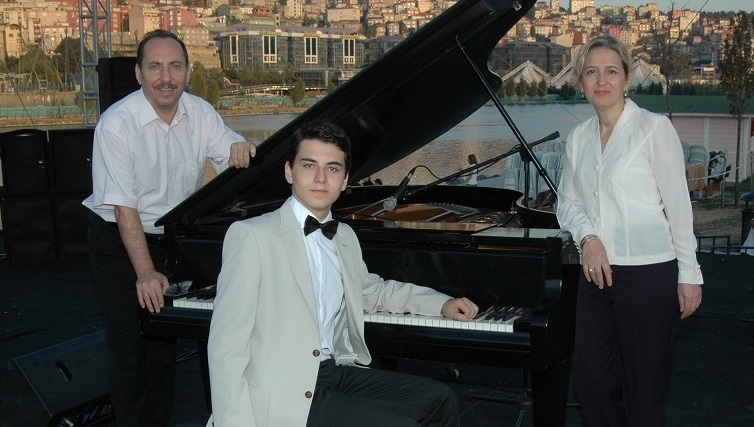 piyano kuyruklu grand büyük ana
