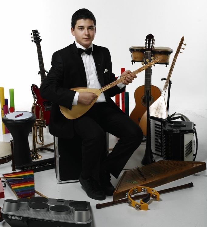 keman violin viyola vıola viyolin Güneş Yakartepe müzik alet enstruman çalıyor Piyano, Akerdeon, Klarnet, Mey, Gitar, Saksafon,Trompet, Darbuka,Kaval