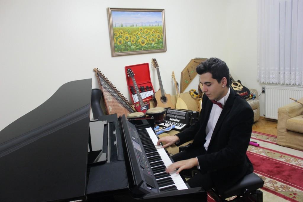 Piyanist Güneş Yakartepe Piyano İTÜ İstanbul Teknik Üniversite Üniversitesi Konser Konservatuvarı Beste