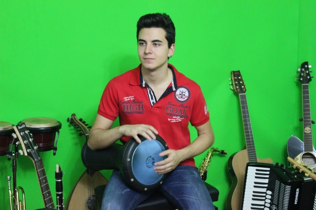 Müzikler Aletleri Çalgıları Basın Enstrümanı Gazete Musikileri Sazı Ana Gazetesi Basını