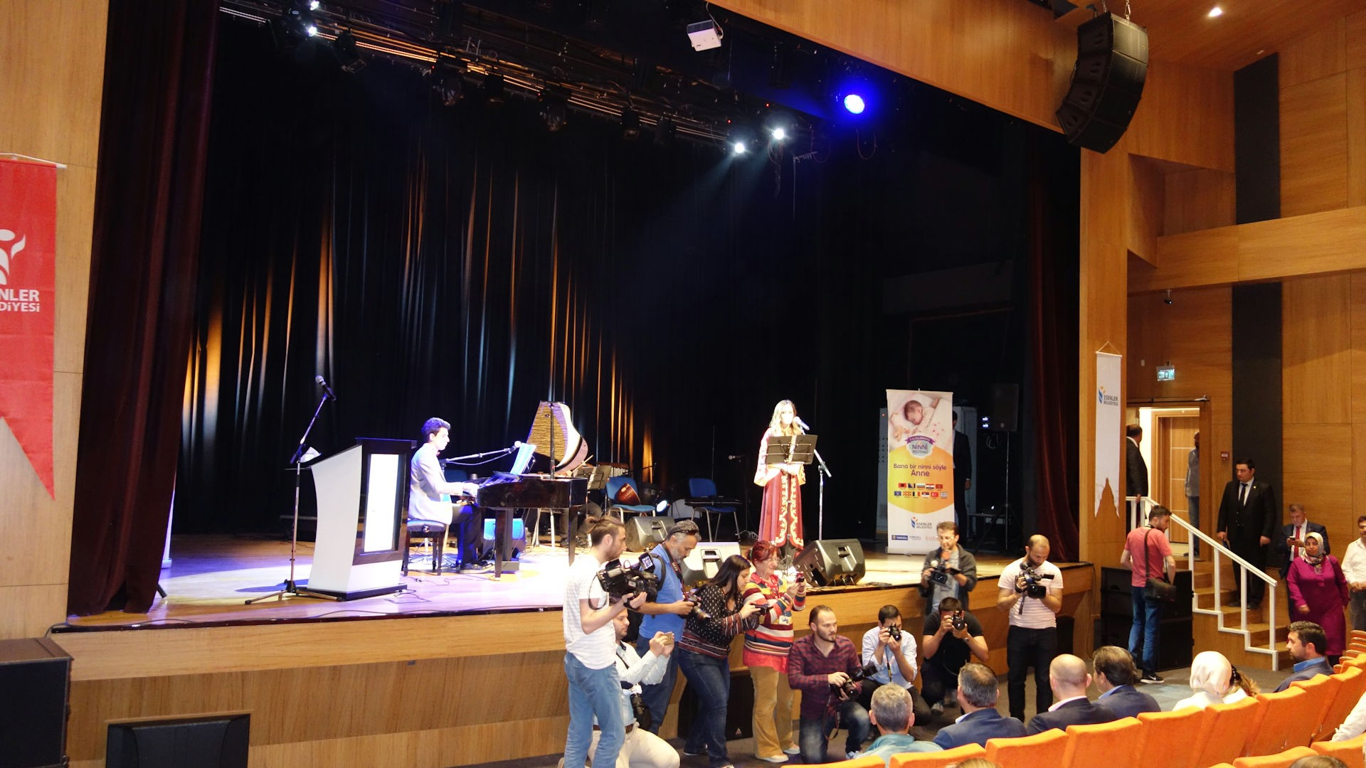 52. Osmanlıdan Günümüze Ninniler Esenler Ninni Festivali 2016 Piyano Canlı Konser Müzik Dinleti. Genç Piyanist Güneş Yakartepe. PiyanoTürk