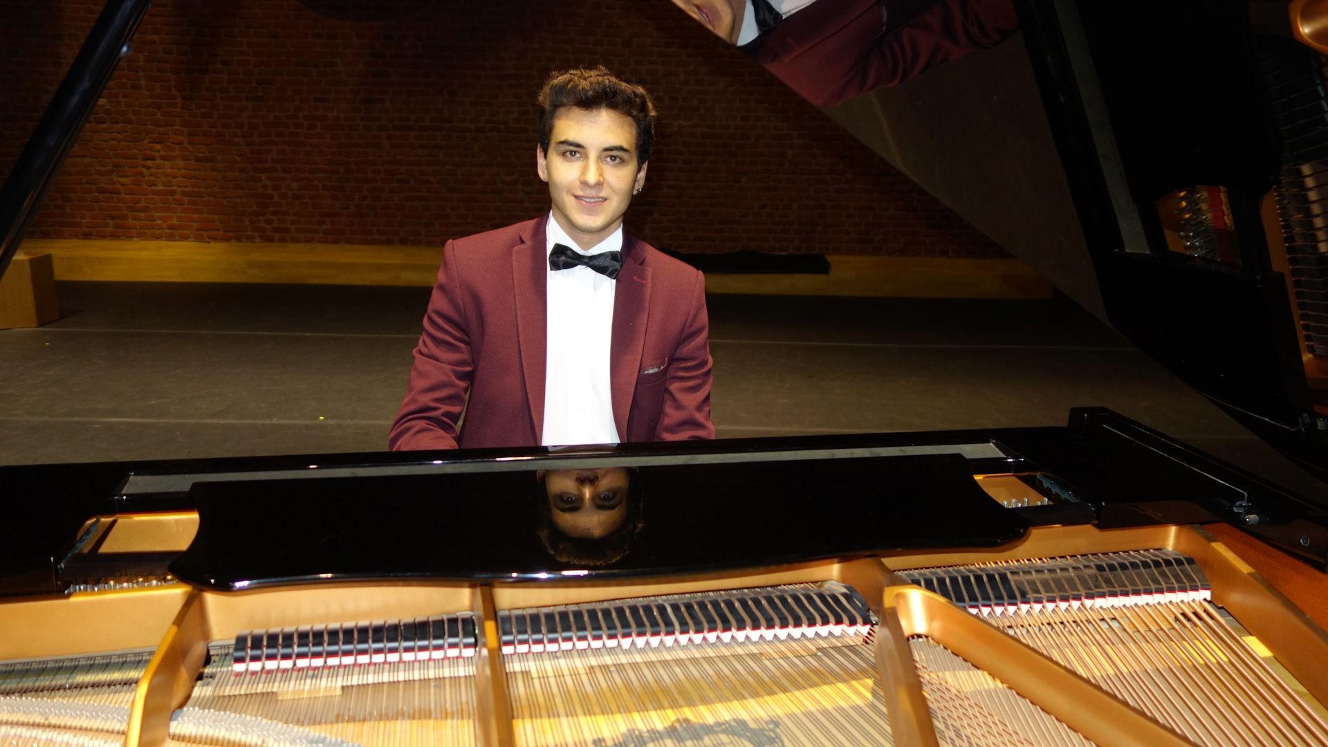 56. Yaza Merhaba Klasik Batı Müzikleri Piyano Solo Konserleri İstanbul Zorlu Alışeriş Kompleksi Performans Sanatları Merkezi Salonları 4