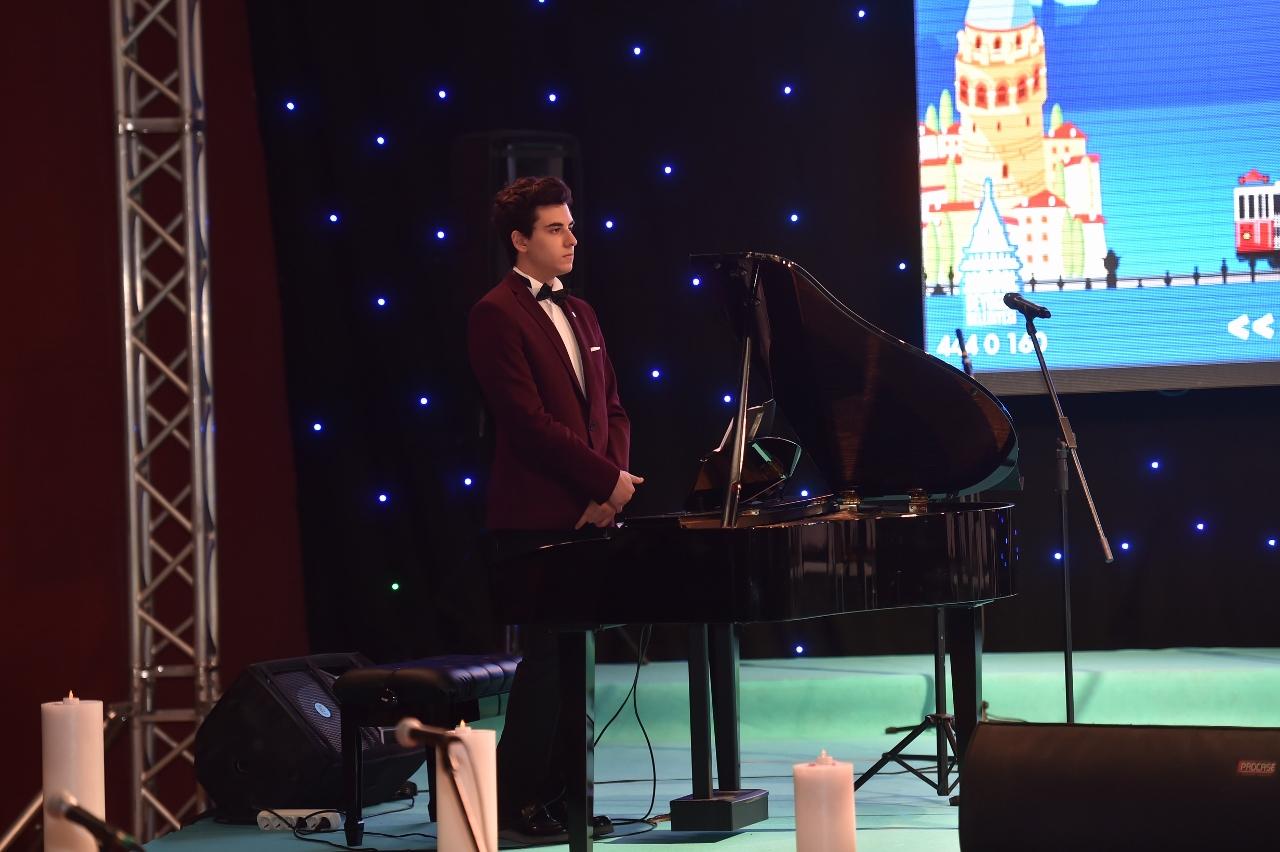 Beyoğlu Belediyesi Çocuklarla Kandil Piyano Ile Tasavvuf Müziği Güneş Yakartepe 2