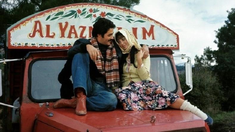 Selvi Boylum Al Yazmalım Piyano Keman Ney Kaval Güneş Yakartepe Türk Sinema Klasikleri Film Müziği En Güzel Yeşilçam Sinema Nostalji Jenerik Şarkılar Enstrümantal Konser