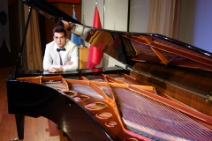 Güneş Yakartepe Piyano Nedir Kimdir Sözlük Ne Demek Genç Piyanist Musikisi Müzik OKUL Piano Büyük piyanoları (10)