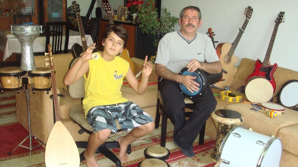 Ziller ve Darbuka Vurmalı Müzik Aletleri – Güneş 10 Yaşında