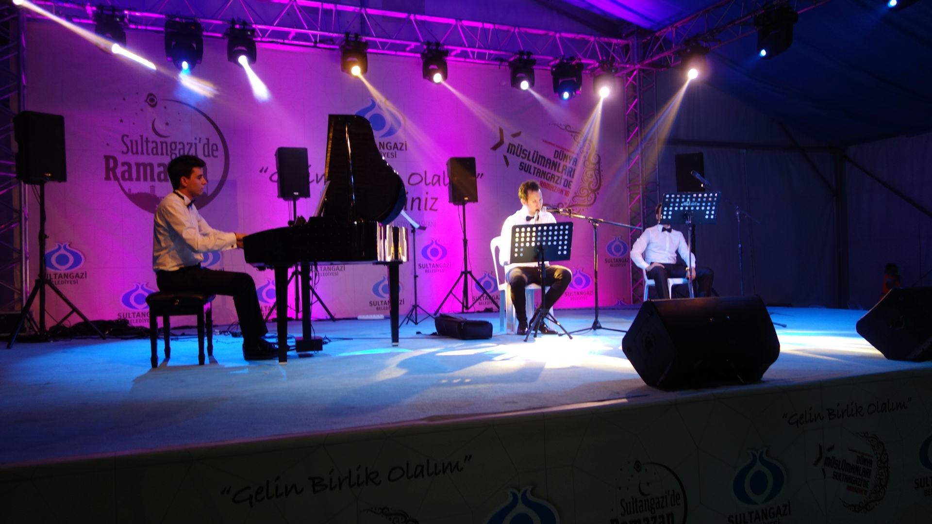 58. Sultangazi Tasavvuf İslami Dini Film Müzikleri Konseri 2016 Piyano Etkinliği Dinletisi. Genç Pianist PianoTurco Resitali 3