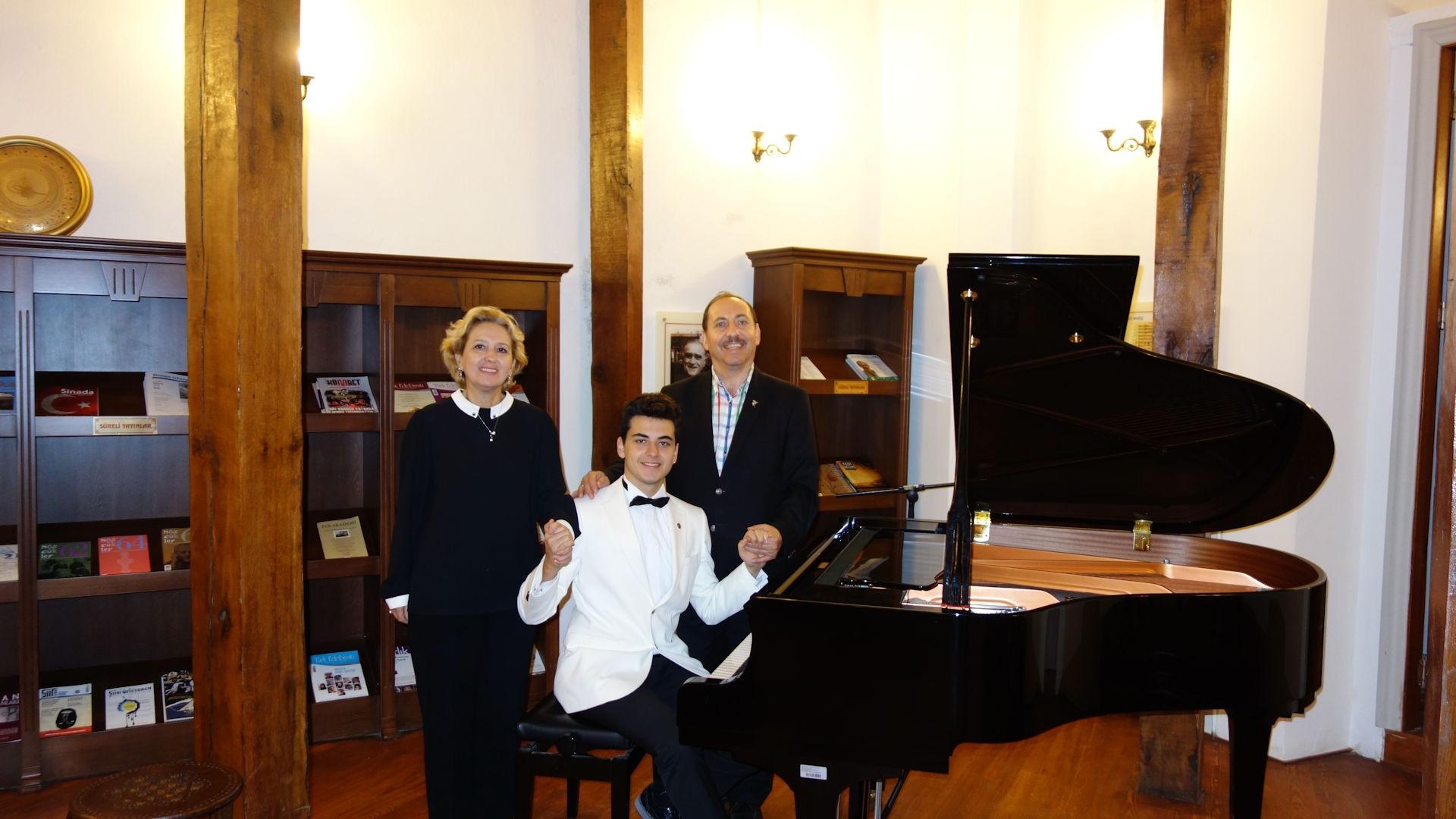 Genç Piyanist Güneş Yakartepenin Son 5 Yılda Katıldığı Konser Etkinlikleri Listesi 2011 2016 2017 Piyano MüziĞİ DinletiSİ PiyanoTürk