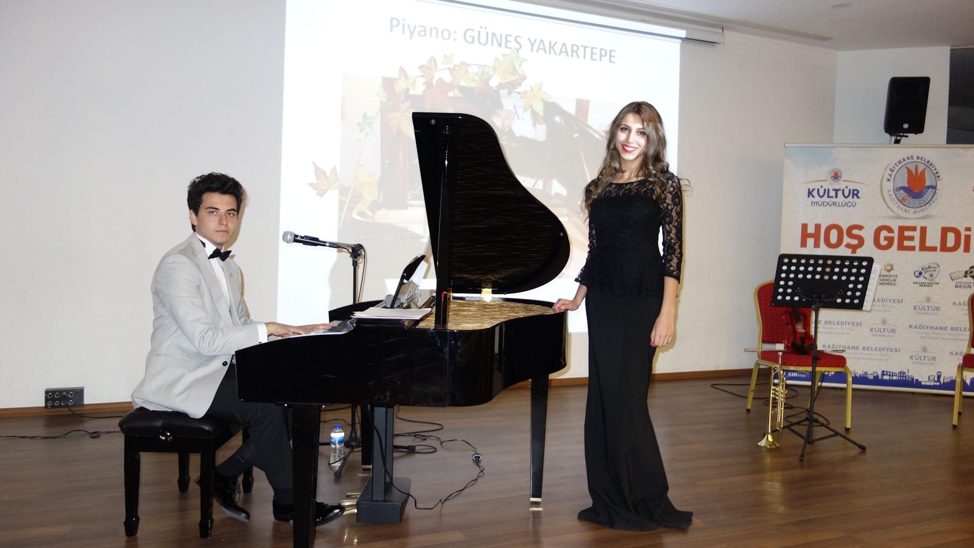 En Yeni Besteler BİR BAYRAK RÜZGAR BEKLİYOR Son Şarkı ŞEHİTLER TEPESİ BOŞ DEĞİL Şiir Arif Nihat Asya Son Bestesi Piyano Bilgi Türkü Eser Genç Besteci Güneş Yakartepe